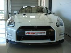 2013 Nissan GT-R Black Edition - Front