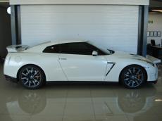 2013 Nissan GT-R Black Edition - Side
