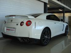 2013 Nissan GT-R Black Edition - Rear 3/4