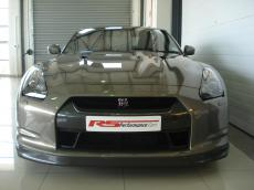 2010 Nissan GT-R Black Edition - Front