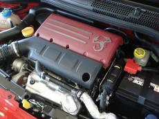 2012 Abarth 695 Tributo Ferrari - Engine
