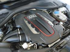 2013 Audi S6 quattro 4.0T FSI S tronic - Engine