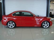 2011 BMW 125i Coupe A/T - Side