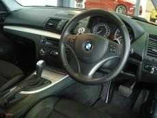 2011 BMW 125i Coupe A/T - Interior