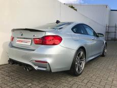 2015 BMW M4 Coupe M-DCT - Rear 3/4